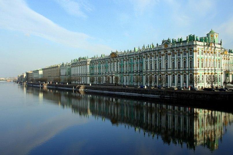 Зимовий палац з венеціанськими дзеркалами
